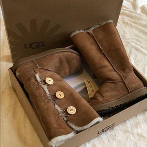 Chestnut Women's Bailey Button Triplet Ugg boot